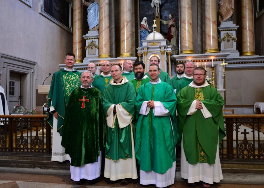 Regreso de los Carmelitas descalzos a Kaunas (Lituania)