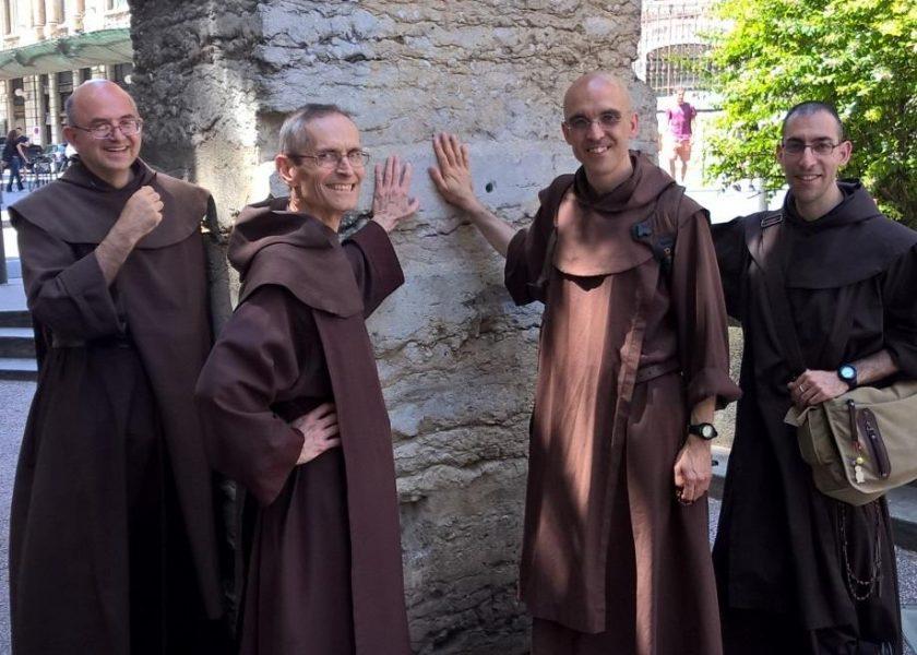 El regreso a Lyon de los Carmelitas de Aviñón-Aquitania