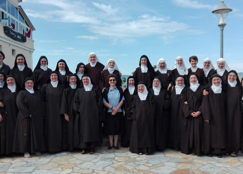 Curso de formación de las monjas italianas en Nënshat, Albania