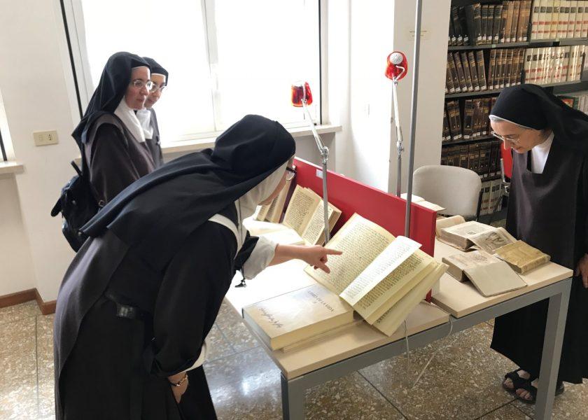 Reunión de las Carmelitas Descalzas italianas en el Teresianum