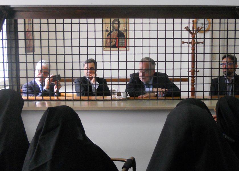 Andrea Riccardi visita el monasterio de Pescara
