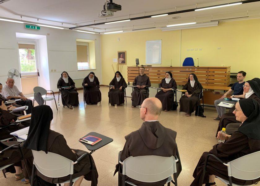Carmelitas Descalzas en el Teresianum