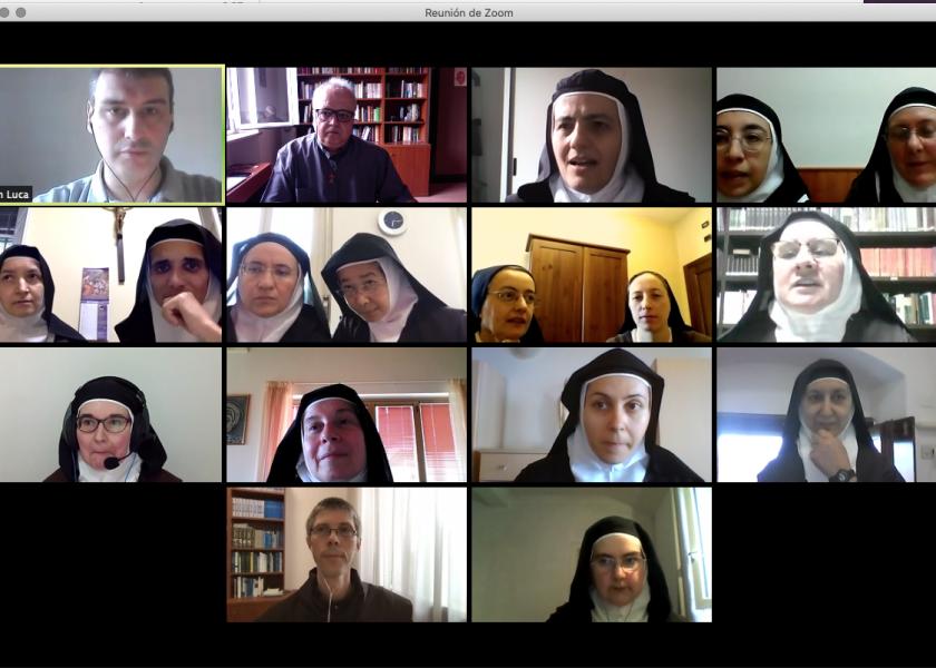Curso de formação das carmelitas italianas